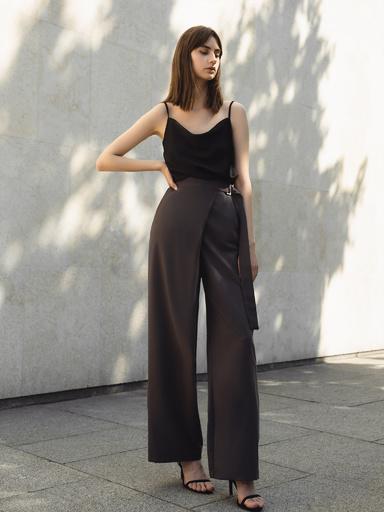 Свободные брюки с высокой посадкой