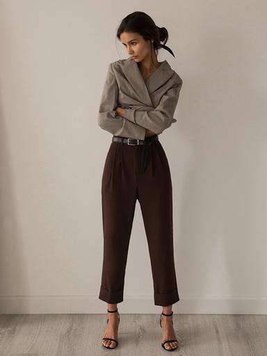 Свободные брюки с защипами