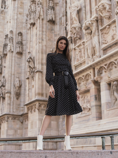 Fitted dress with polka dot print