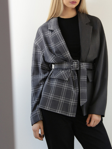 Jacket with contrast plaid print complete with belt